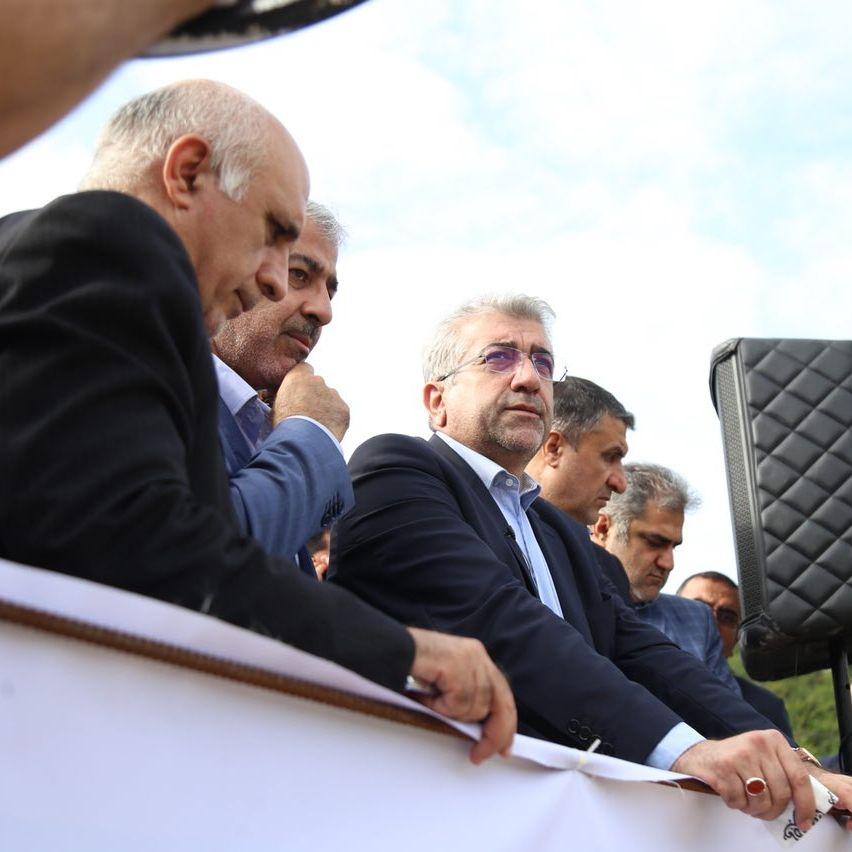 بازدید وزیر نیرو به همراه مهندس حاج رسولیها از سد گلورد