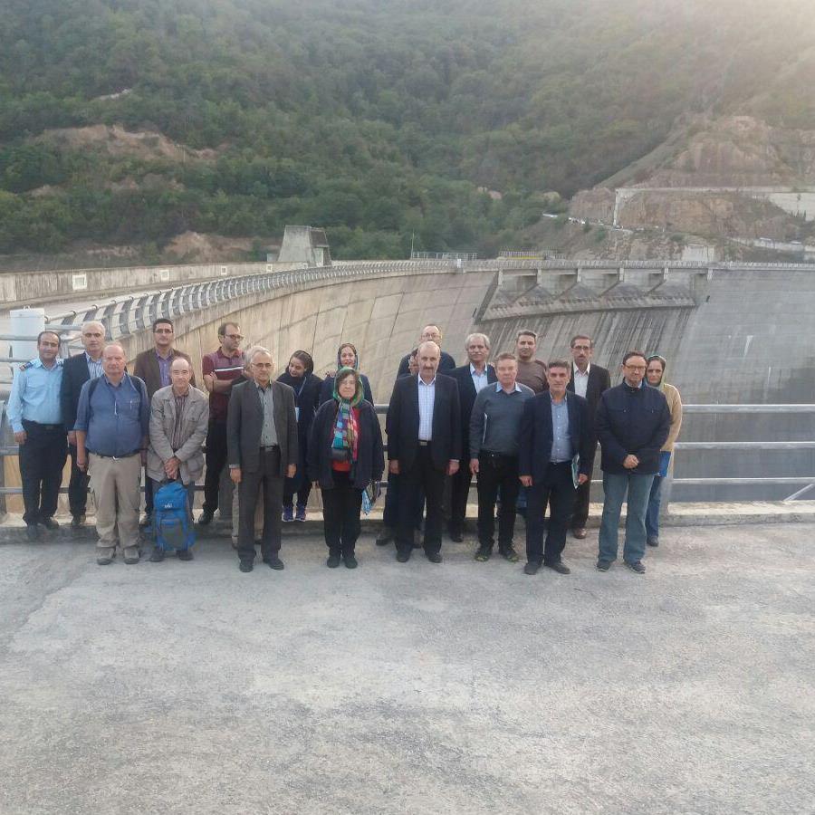 بازدید تعدادی از کارشناسان خارجی عضو کمیته سدهای بزرگ (ircold) از سد شهید رجایی
